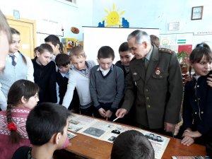 Ишимбайские школьники почтили память воинов-земляков