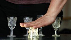 Россияне стали пить меньше алкогольных напитков