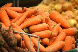 Холодное лето привело к повышению цен на овощи