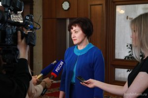 Министр образования Башкирии дала пояснения родителям по изучению родных яз ...