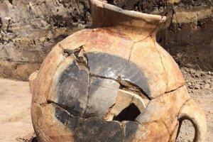 На территории Уфы археологи нашли древнюю амфору
