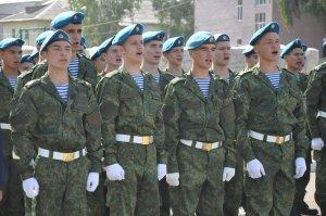 Курсанты Башкирского кадетского корпуса отметили 1 сентября торжественным п ...