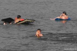 В водоемах Башкирии в этом году утонули более 60 человек, из них восемь – д ...