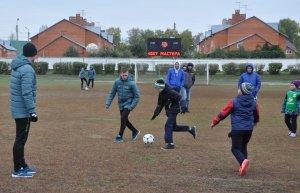 Футболисты ФК «Уфа» провели мастер-класс для юных ишимбайцев