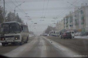 На дорогах Башкирии прогнозируются снежные заносы, накат и ухудшение видимо ...