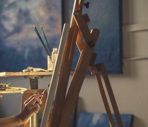 В Ишимбае свои картины представили уфимские художники