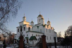 Рустэм Хамитов поздравил православных христиан с Рождеством Христовым