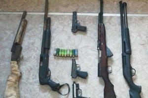 В Ишимбае стражи порядка задержали вооруженную карабинами и пистолетами бан ...