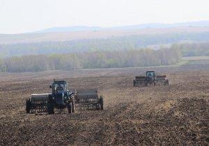 В Ишимбайском районе продолжаются весенне-полевые работы