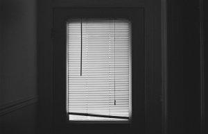 В Ишимбае мужчина выпал из окна квартиры, расположенной на пятом этаже