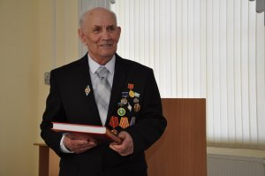 Известному в Ишимбае краеведу, историку и автору документальных книг Владимиру Игнатьеву 11 августа исполнится 80 лет