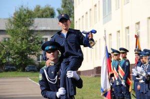 Михаил Бабич поздравил курсантов Башкирского кадетского корпуса с Днем знан ...