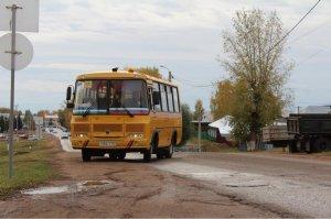 В республику поступят новые автомобили скорой помощи и школьные автобусы