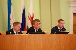 Радий Хабиров призвал чиновников быть чуткими в работе с людьми
