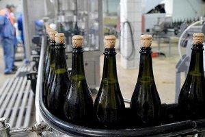 Минимальная цена шампанского может вырасти до 202 рублей