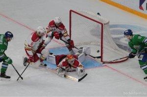 «Салават Юлаев» второй раз в сезоне на домашнем льду разгромил «Куньлунь Ре ...