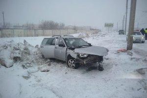 За минувшие сутки на дорогах Башкирии произошло 13 аварий, три человека пог ...