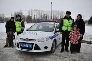 В Татарии автоинспекторы спасли жизнь девочке, задыхавшейся из-за выпавших молочных зубов