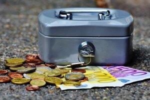 Секреты мошенников: Почему мы так легко попадаемся на удочку продавцам воздуха