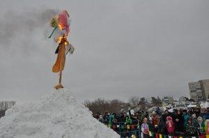 В Ишимбае прошли народные гулянья, посвященные проводам зимы