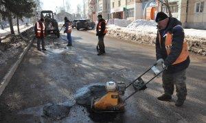 В Ишимбае и Ишимбайском районе приступили к ямочному ремонту дорог